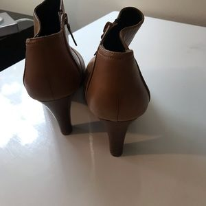 Banana Republic bootie